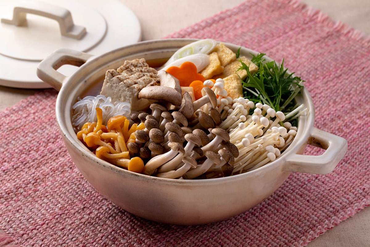【菌ツマ特集】今週末はお家できのこ鍋!栄養を逃さず食べて免疫力アップを
