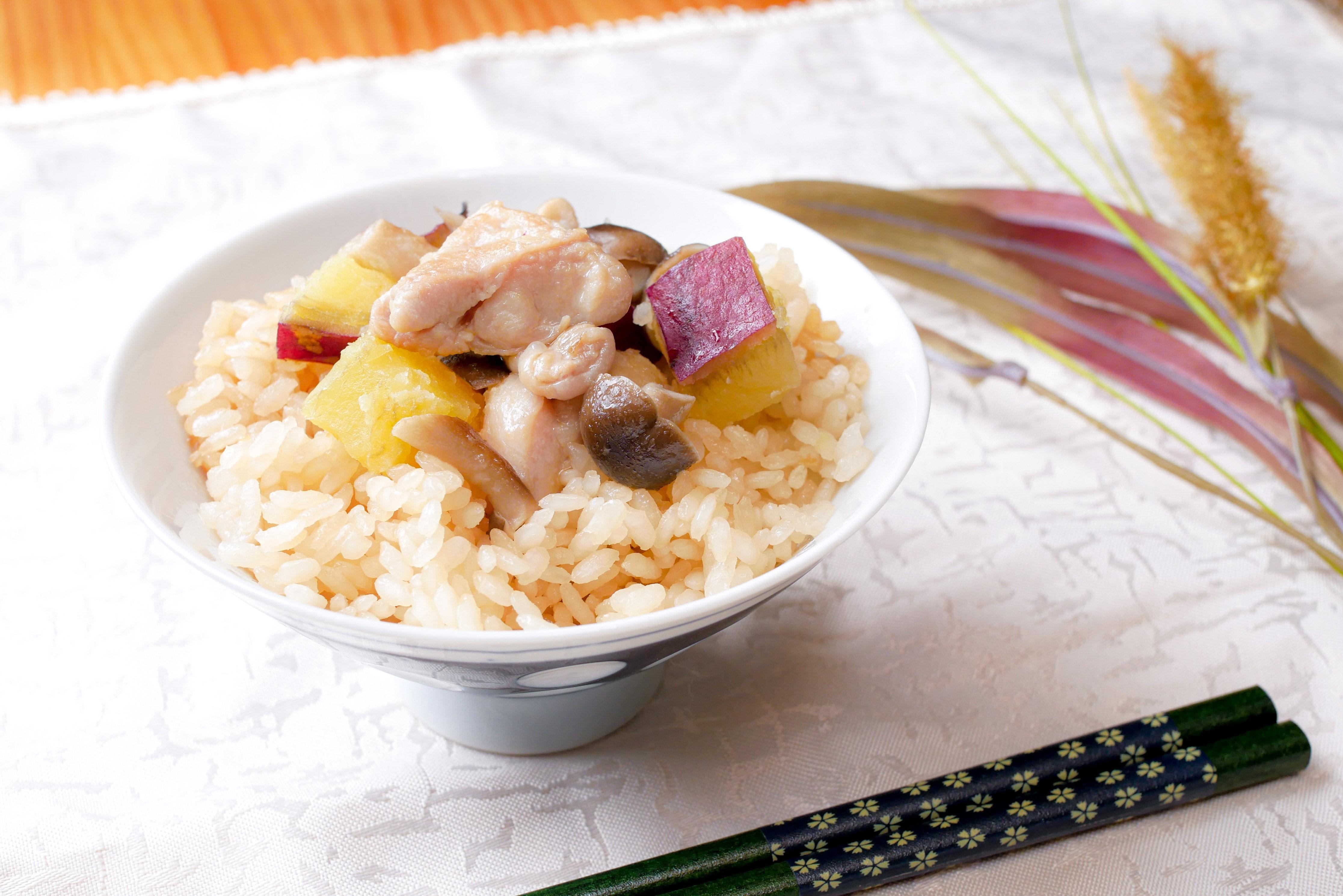 連載【子どもがよろこぶ♪HAPPYきのこレシピ⑦】美味しさの秘密はシメジのうま味!秋の炊き込みごはん