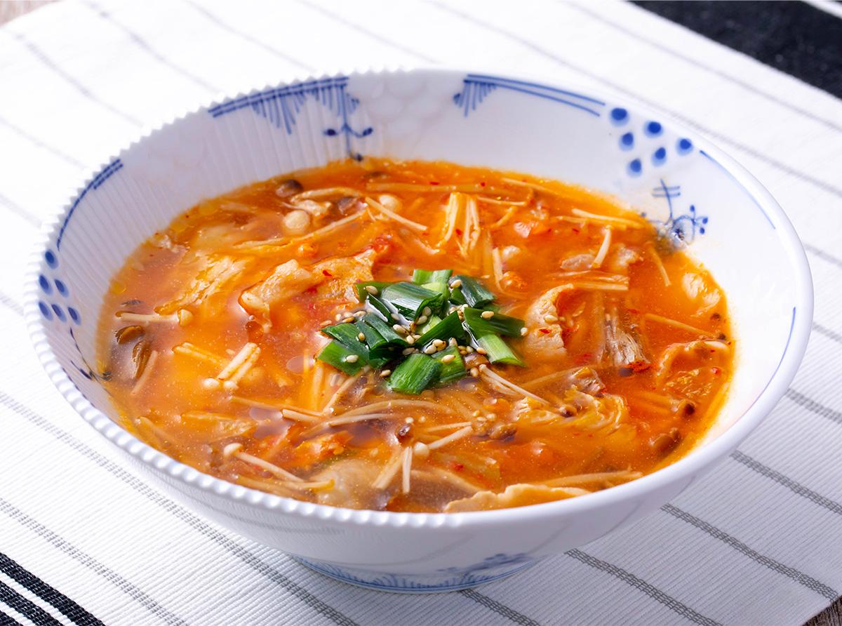 【菌ツマ特集】免疫力もアップ!冬におすすめ「きのこたっぷりスープ」